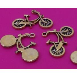 Dijes de Bicicleta Antigua en color oro antiguo